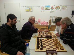 vorne links: Radwan Mohammad als Gast bei der Vereinsblitzmeisterschaft